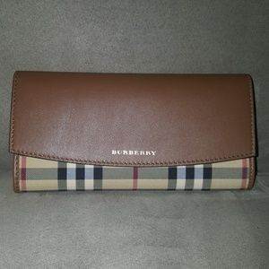 Brand new tan Burberry woman's wallet